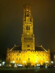 Rathaus mit Belfried @night