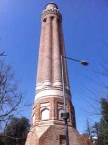 Minarett der Yivli Minare Moschee