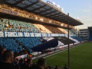 Der Fanclub, der die Fahne trägt...