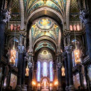 Das Innere der Basilika