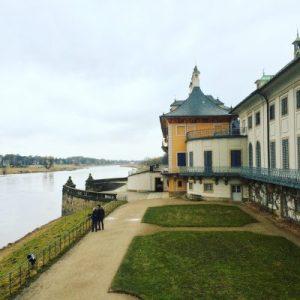Schloss Pillnitz am Elbufer