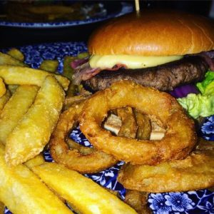 Burger im Inn of the Court